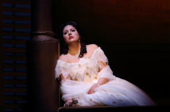 002-Hrachuhi-Bassenz-as-Violetta-in-La-traviata-C-ROH-2019-photographed-by-Catherine-Ashmore
